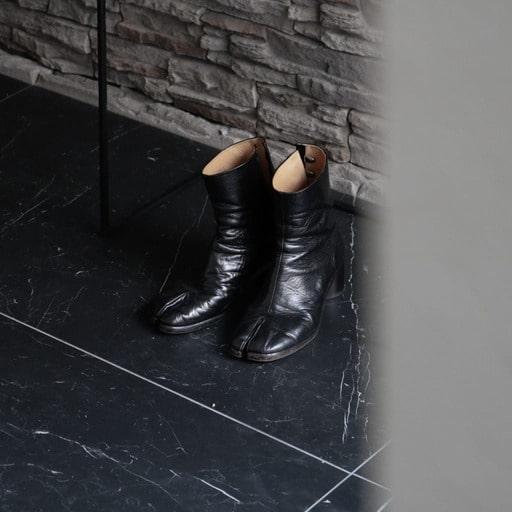 1.【マルジェラといえば】足袋ブーツ(メゾンマルジェラの名作靴)